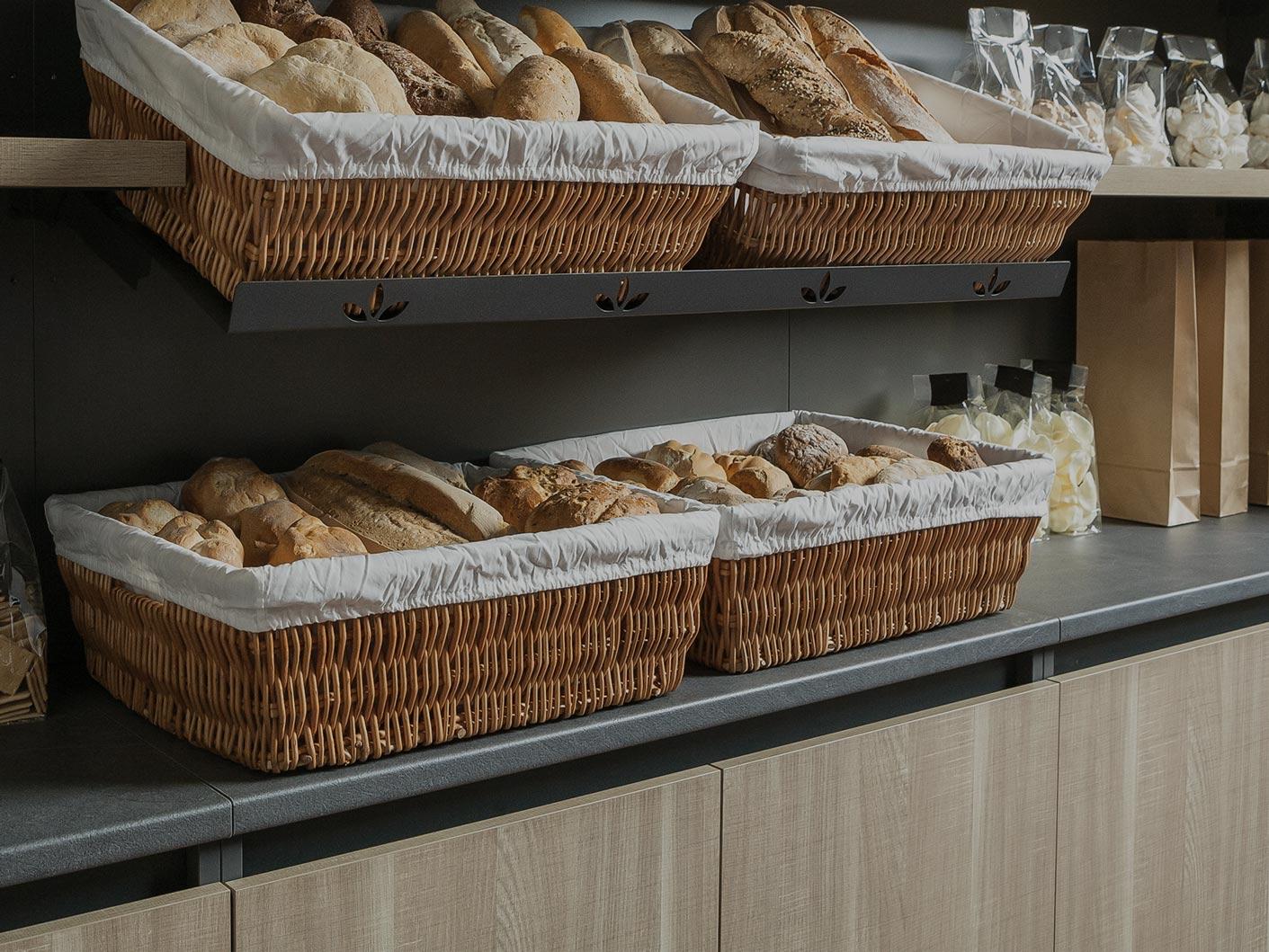 Arredamenti attivit commerciali per panetterie for Arredamenti per locali commerciali
